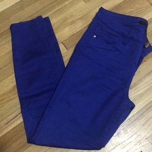 Cropped bright blue skinnies